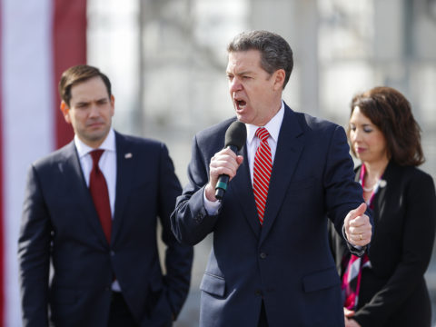 Brownback campaigns for Rubio